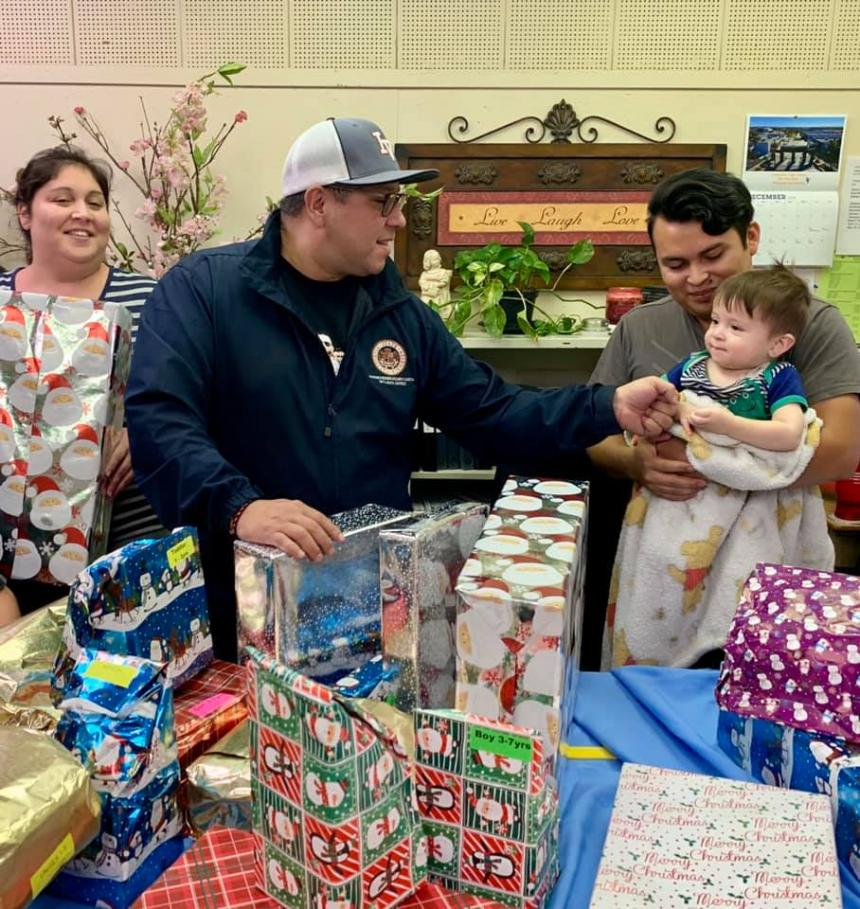 Photo of Assemblymember Eduardo Garcia and IBEW 569 Toy Distribution 2019